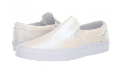 Buy Vans Classic Slip-On™ (Pearl Suede) Classic White/True White