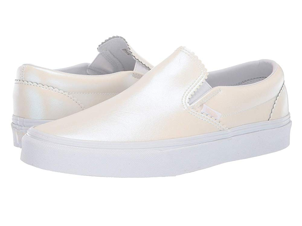 Vans Classic Slip-On™ (Pearl Suede) Classic White/True White Black Friday Sale